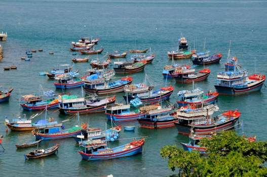 VIETNAM - Nha Trang Bateaux de pêche