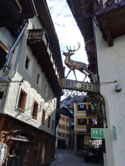 AUTRICHE - Salzkammergut Dans une ruelle de St-Wolfgang
