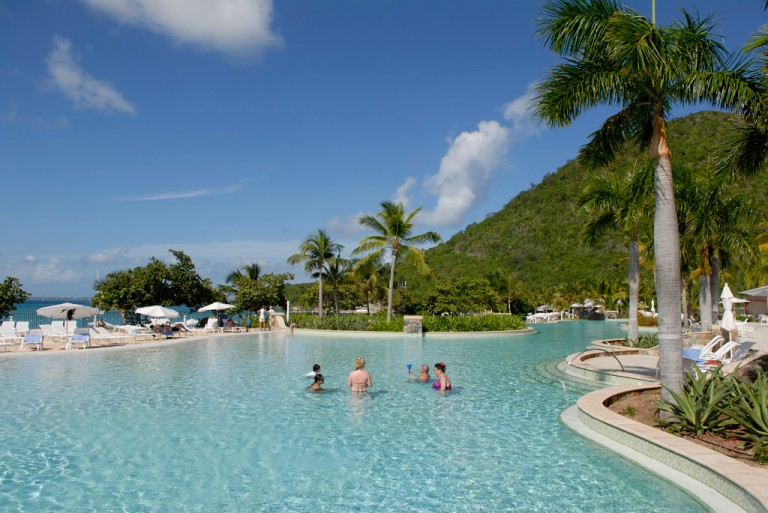 SAINT-MARTINHôtel Radisson La plus grande piscine des Antilles