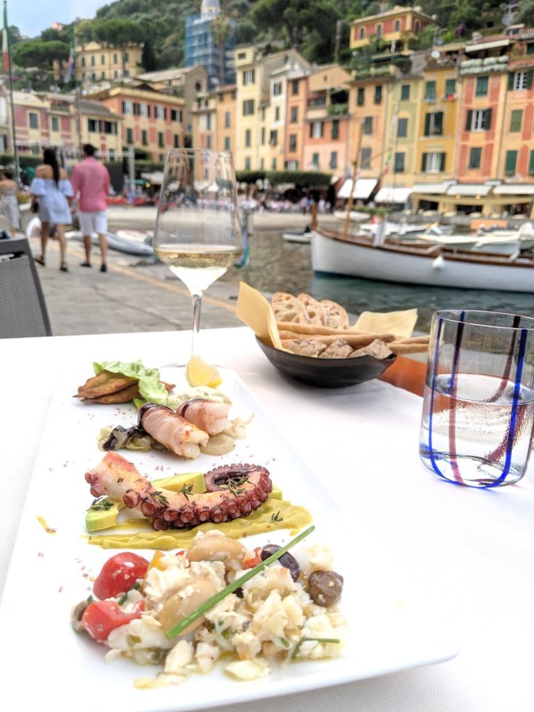 ITALIE - Portofino Assiette de poissons au restaurant Lo Stella